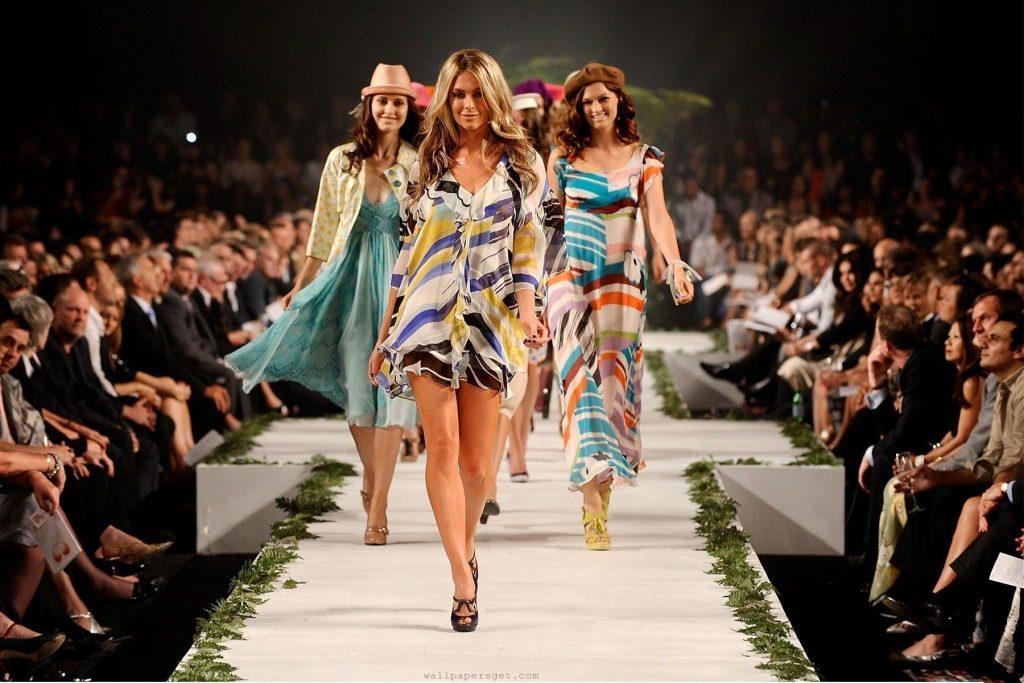Người mẫu catwalk